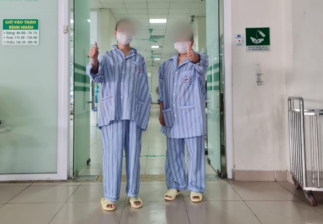 Cả 2 bệnh nhân được chuyển đến Khoa Nội Tổng hợp để tiếp tục theo dõi đến khi đủ điều kiện xuất viện.