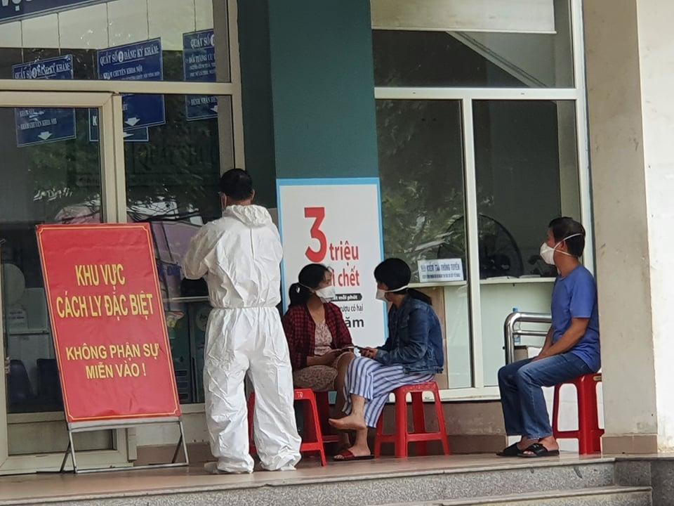 Người về từ nơi có dịch, khu vực phong tỏa không được tụ tập đông người trong 14 ngày (ảnh minh họa)
