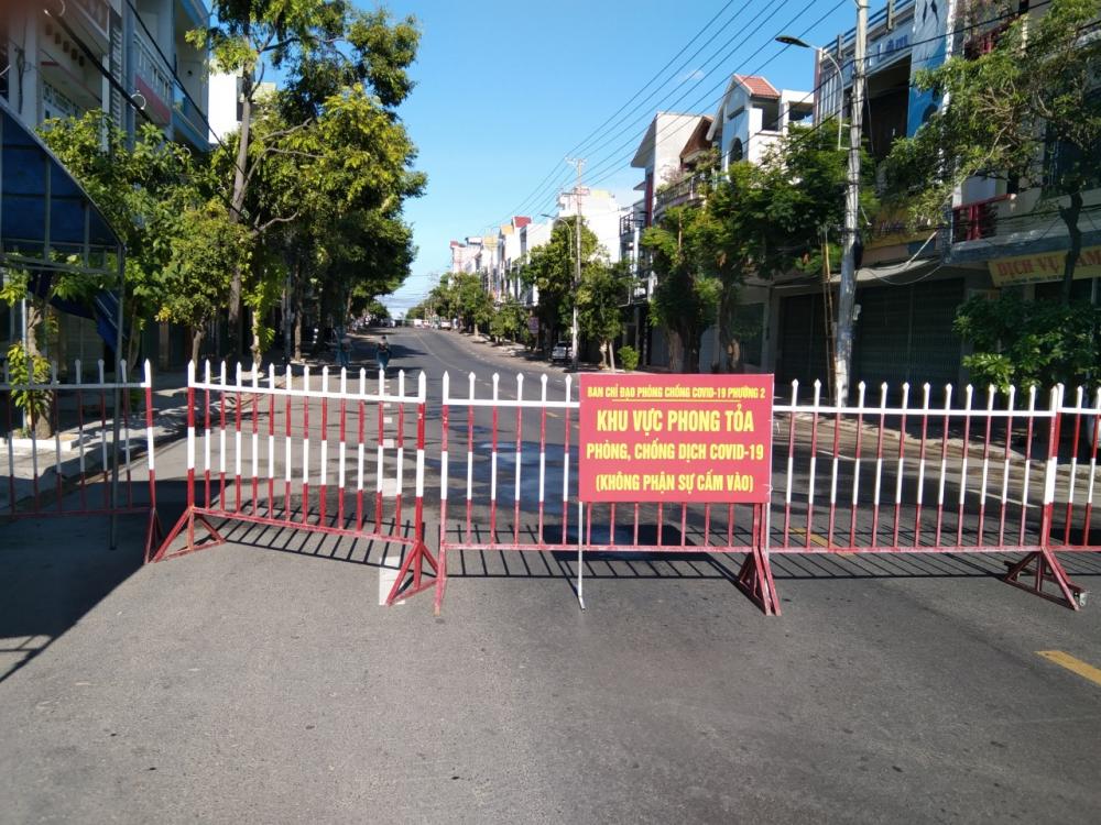 Phong tỏa hai khu vực dân cư xung quanh căn nhà 245 Lê Trung Kiên (phường 2) và nhà 55 Trần Quý Cáp (phường 3) liên quan 2 ca mắc mới
