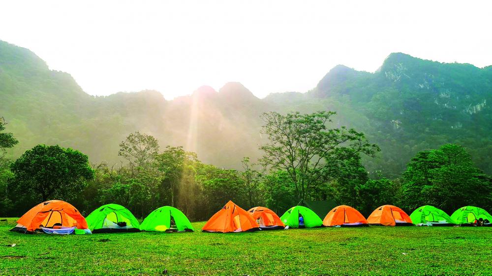 Cắm trại qua đêm tại Chà Lòi