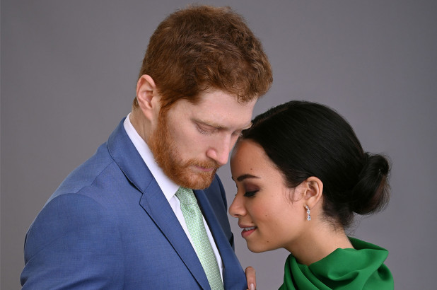 Hai diễn viên Jordan Dean và Sydney Morton vào vai Harry và Meghan trong phim
