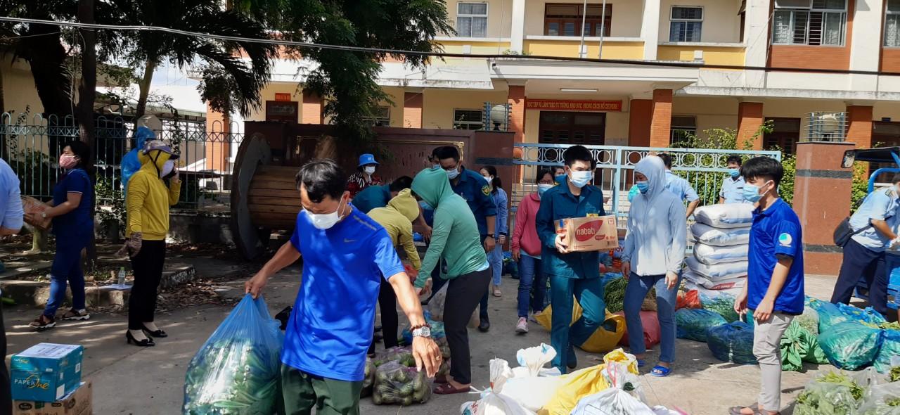 Các đơn vị tỉnh bạn đã tích cực gửi nguồn nông sản địa phương về viện trợ cho Sài Gòn chống dịch