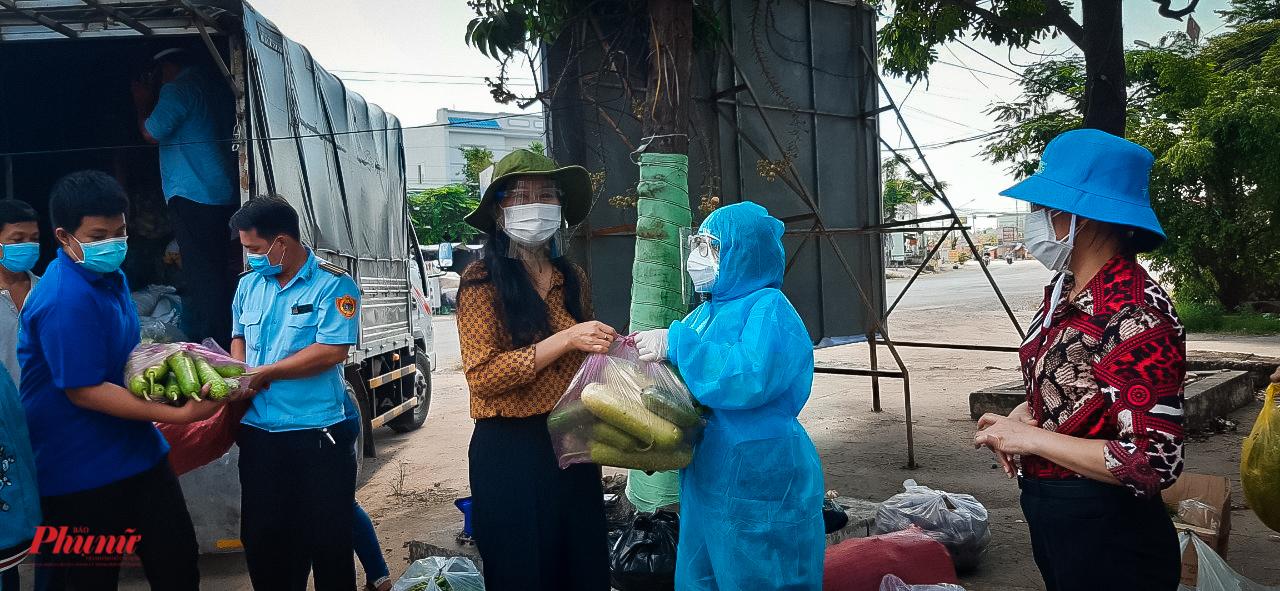 Nông sản của Long An chủ yếu là rau, bầu, bí, ..