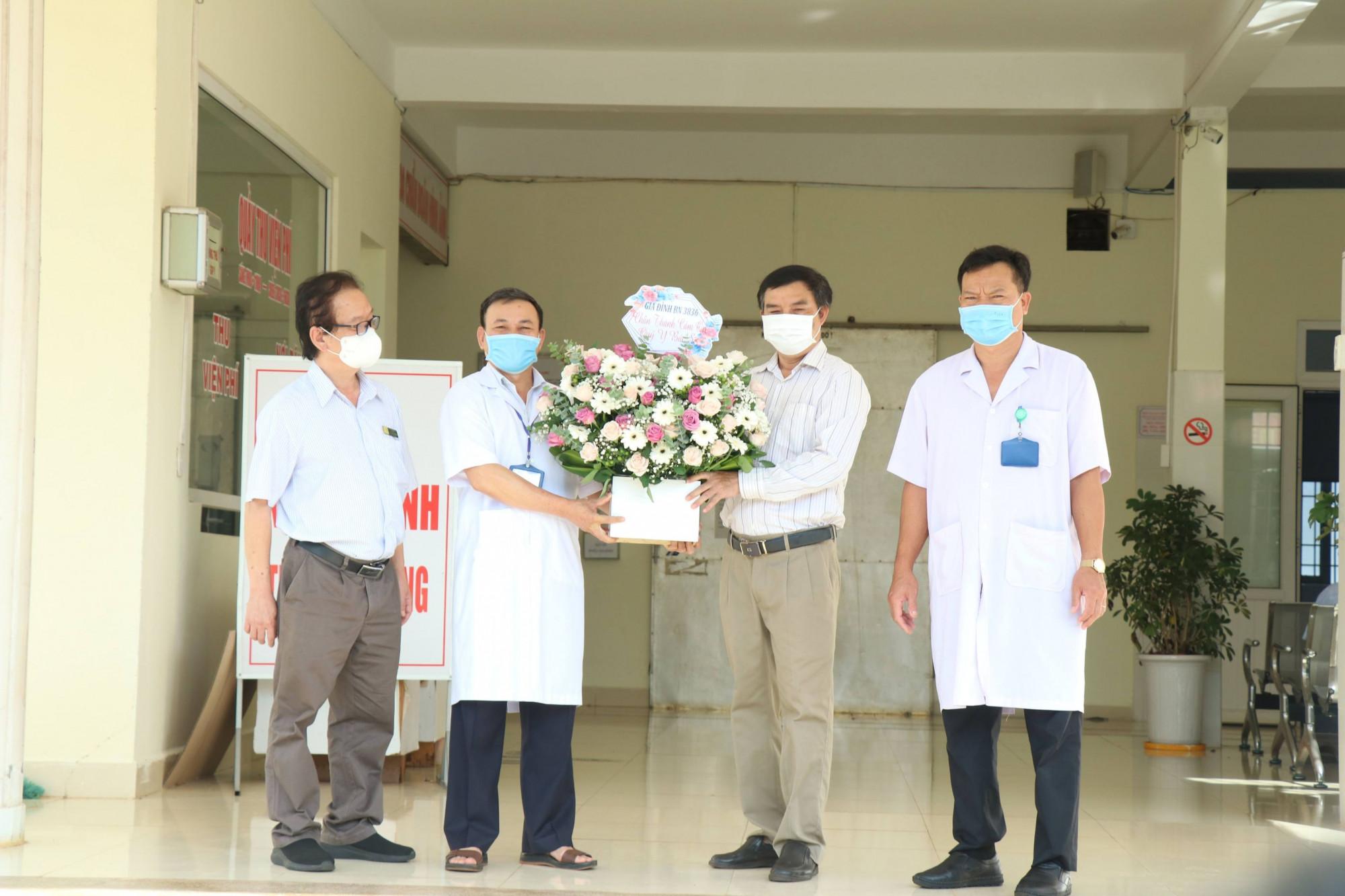 BN 3836 được xuất viện sau hơn 1 tháng điều trị