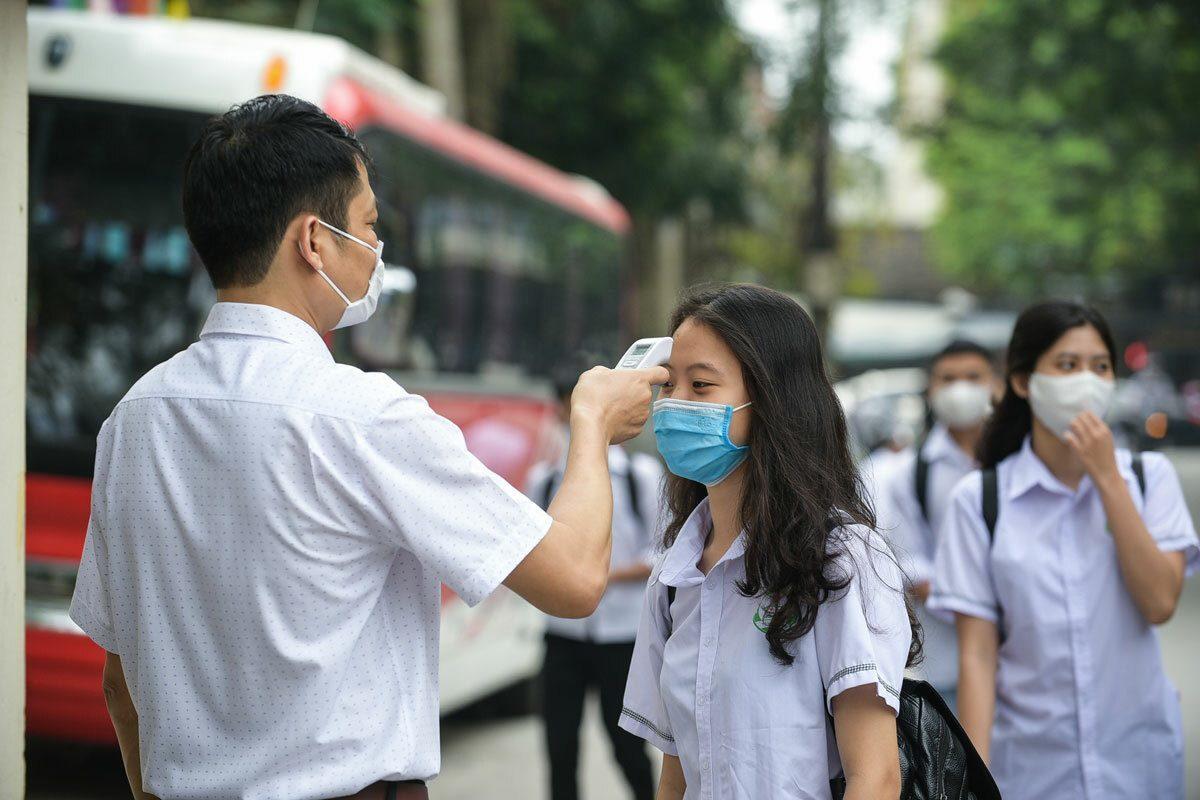 Thí sinh dự thi sẽ được yêu cầu đo thân nhiệt, dùng nước rửa tay sát khuẩn để đảm bảo phòng chống dịch bệnh