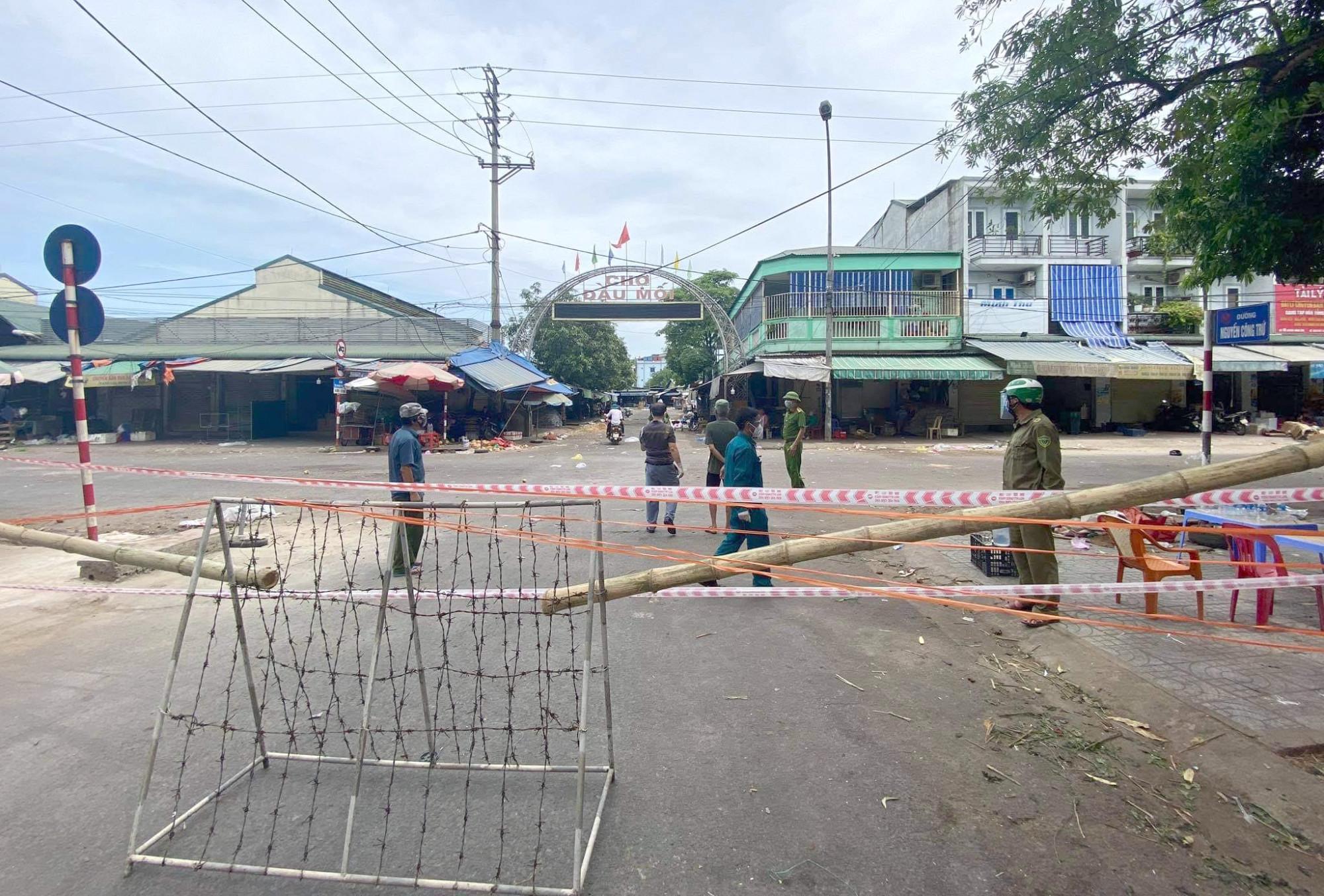Chợ đầu mối Vinh được xác định là một trong những ổ dịch lớn ở Nghệ An