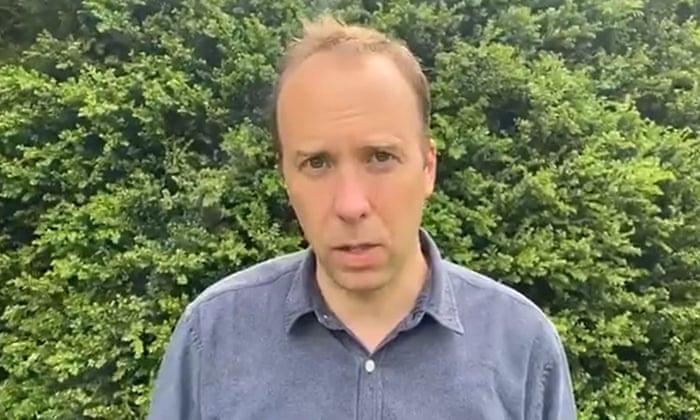 Ông Matt Hancock từ chức Bộ trưởng Y tế sau khi bị chỉ trích gay gắt vì vi phạm quy tắc phòng chống dịch - Ảnh: The Guardian