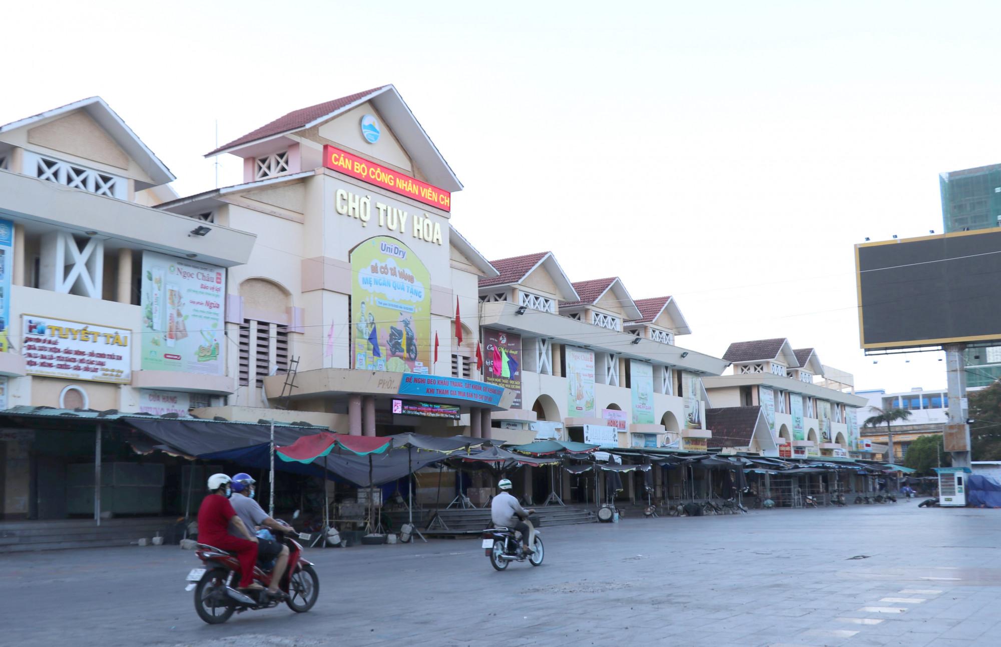 Chợ Tuy Hòa lớn nhất tỉnh Phú Yên tạm dừng hoạt động vì dịch
