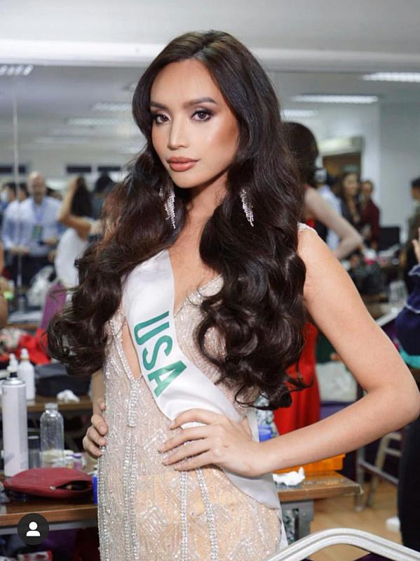 Người đẹp sinh năm 1995 từng dự thi Hoa hậu Chuyển giới Quốc tế 2018, năm Hương Giang đăng quang.