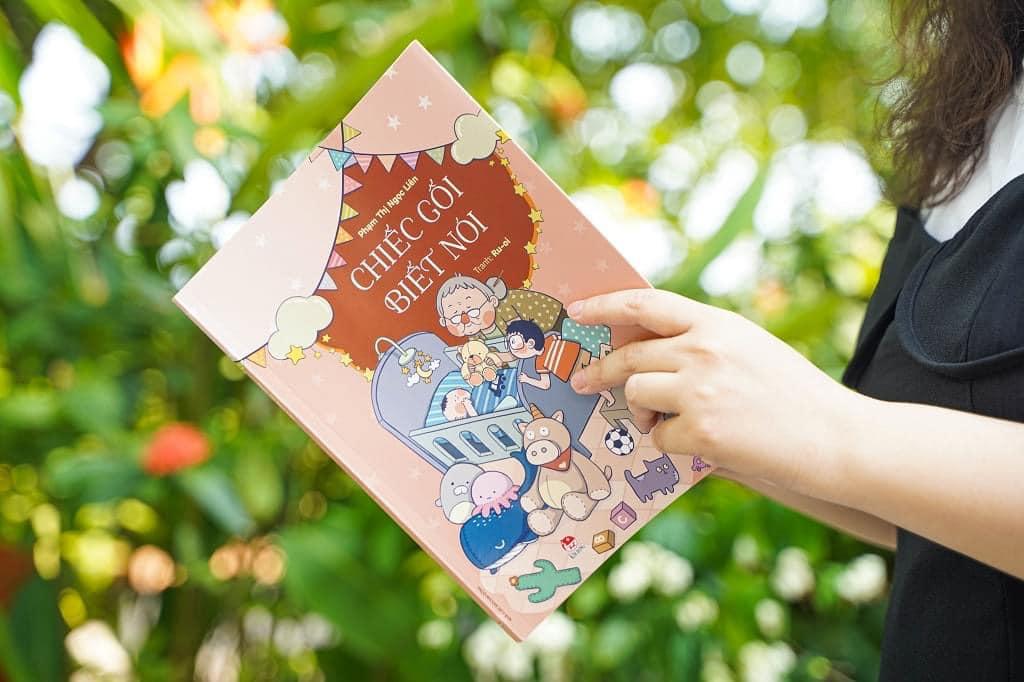 Mời các em nhỏ đọc sách và chia sẻ cảm nhận