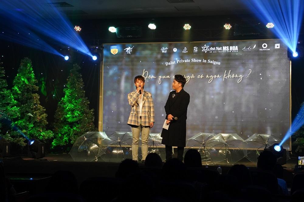 Hamlet Trương, Phạm Đình Thái Ngân tại sự kiện âm nhạc trực tiếp do sinh viên HUTECH tổ chức - Ảnh: HUTECH