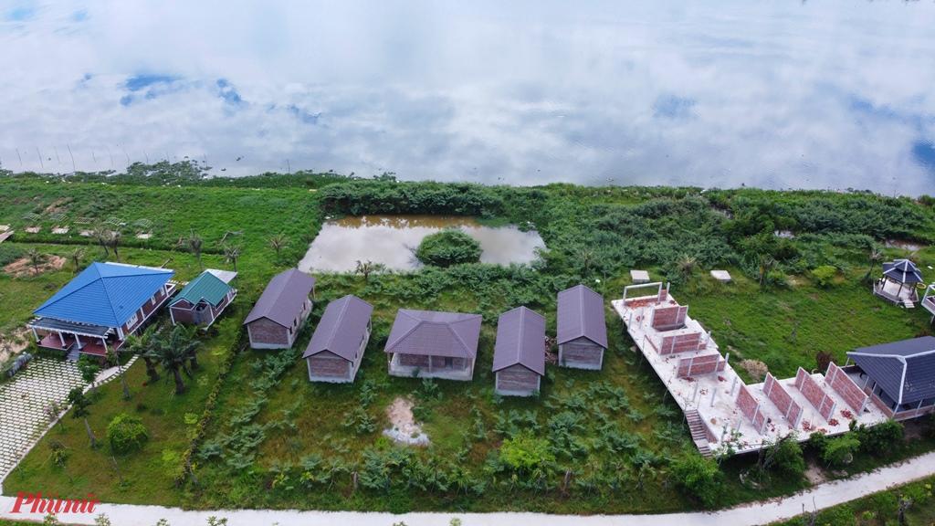 khu sản xuất nông nghiệp và dịch vụ sinh thái Go Green Farm do HTX NN và DV sinh thái Go Green Farm làm chủ đầu tư nằm ở Cồn Nhỏ (ven sông Hương) đoạn qua xã Hương Vinh, diện tích 3 ha
