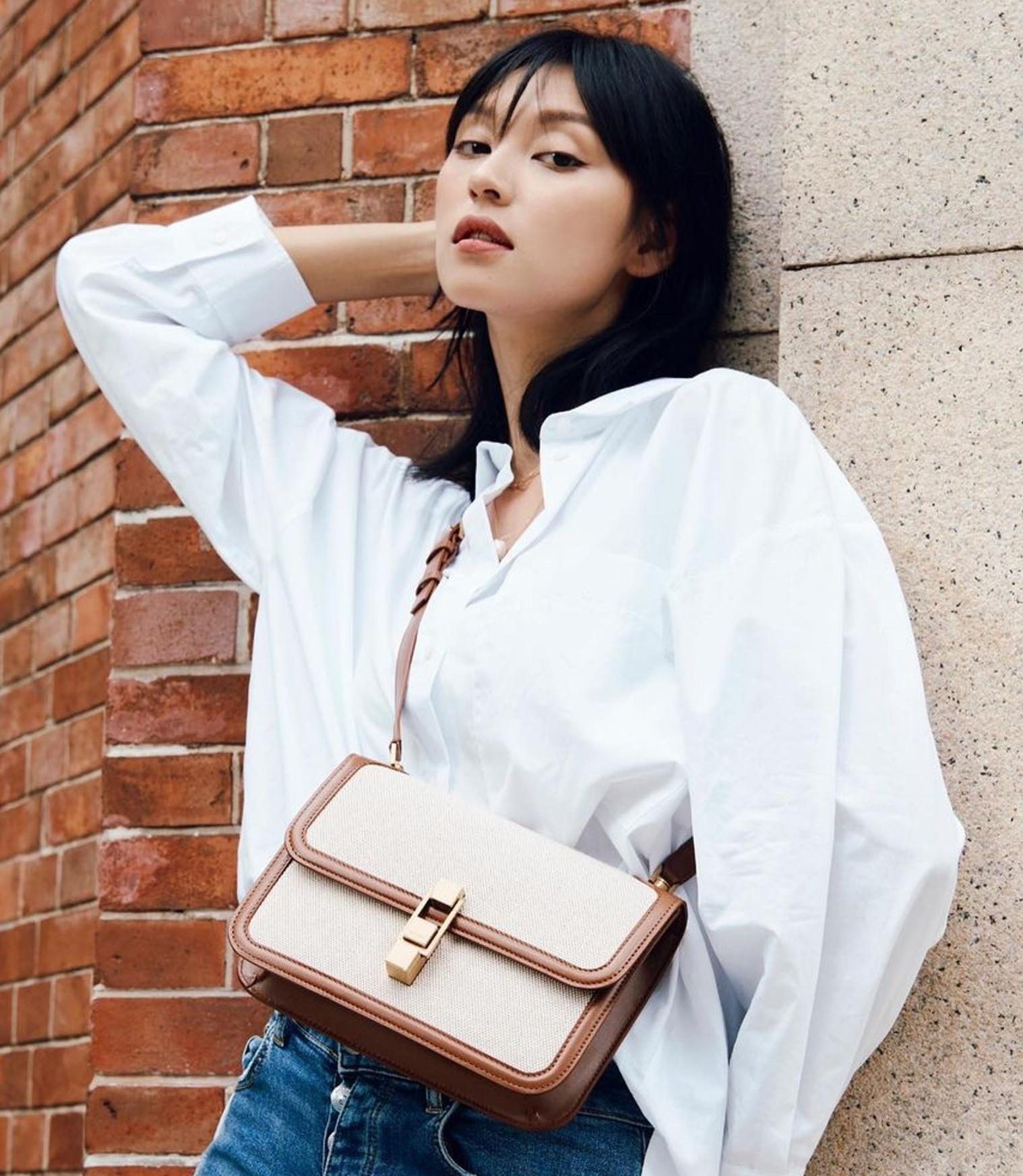 Vương Đan Ni nói cô thích sự đa dạng trong phong cách. Vì thế, người mẫu 31 tuổi sẵn sàng trải nghiệm nhiều kiểu dáng trang phục, kiểu trang điểm khác nhau.