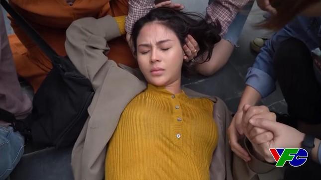 Lương Thu Trang gặp chấn thương vùng đầu trong Hướng dương ngược nắng