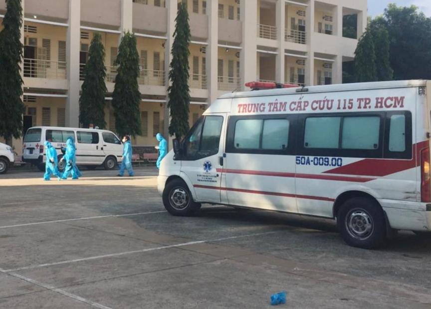 Bệnh viện dã chiến thu dung điều trị COVID-19 số 1