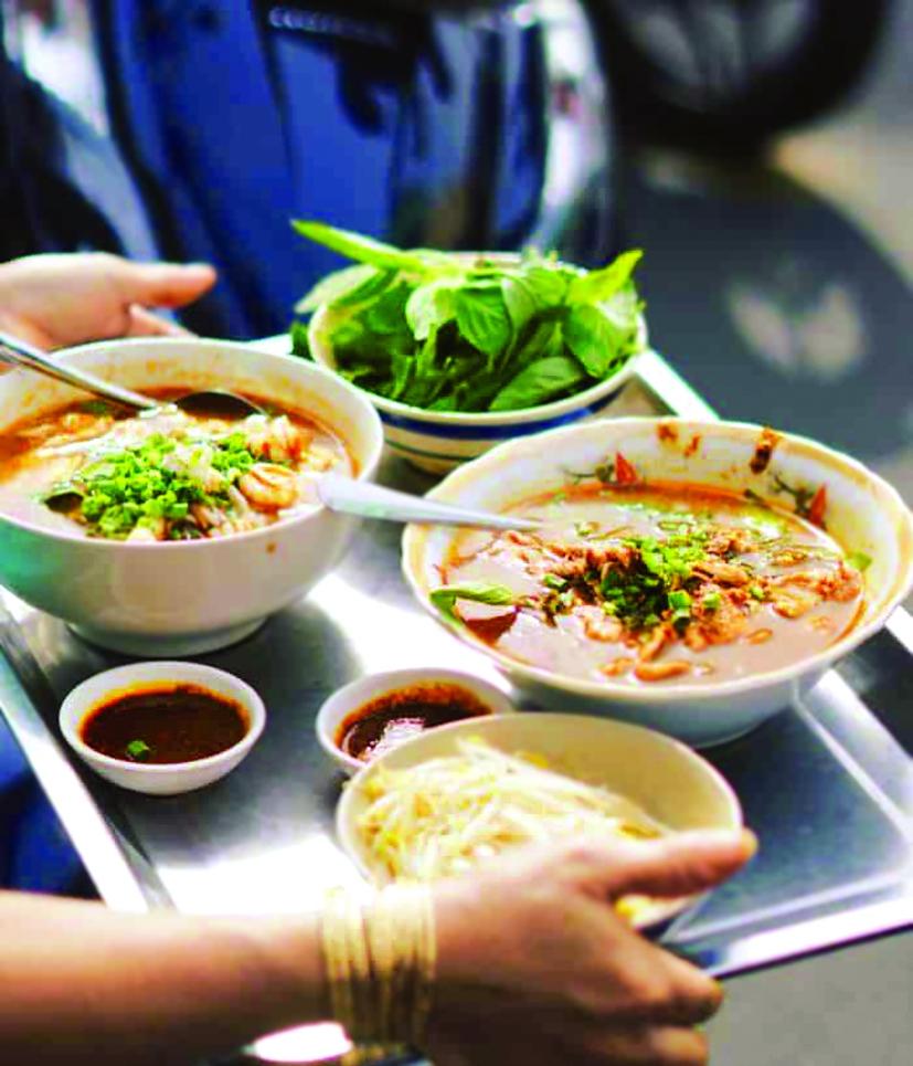 Ẩm thực quận 5 chính là một nét vẽ tăng thêm màu sắc cho nền ẩm thực Sài Gòn vốn đa dạng sắc màu - ẢNH: INTERNET