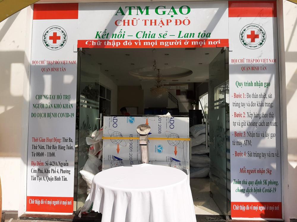 ATM gạo Chữ Thập đỏ của quận Bình Tân.