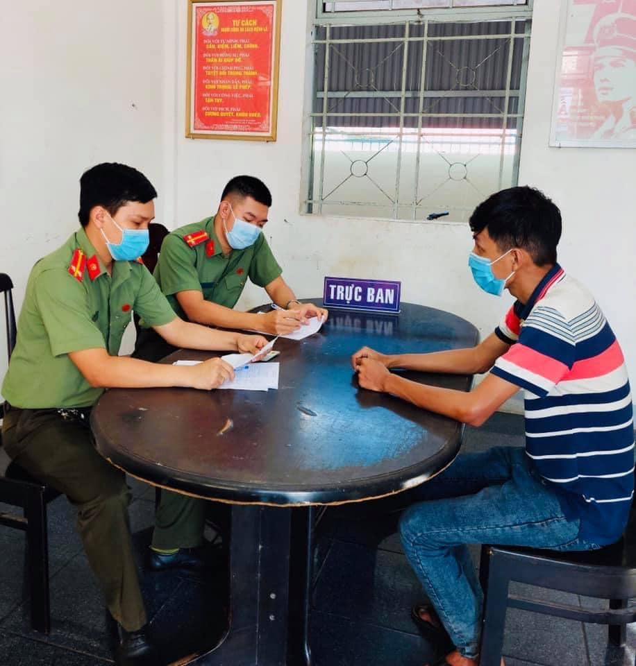 Thường bị công an huyện Dầu Tiếng ra quyết định xử phạt 2,5 triệu đồng. Ảnh Hồng Nga