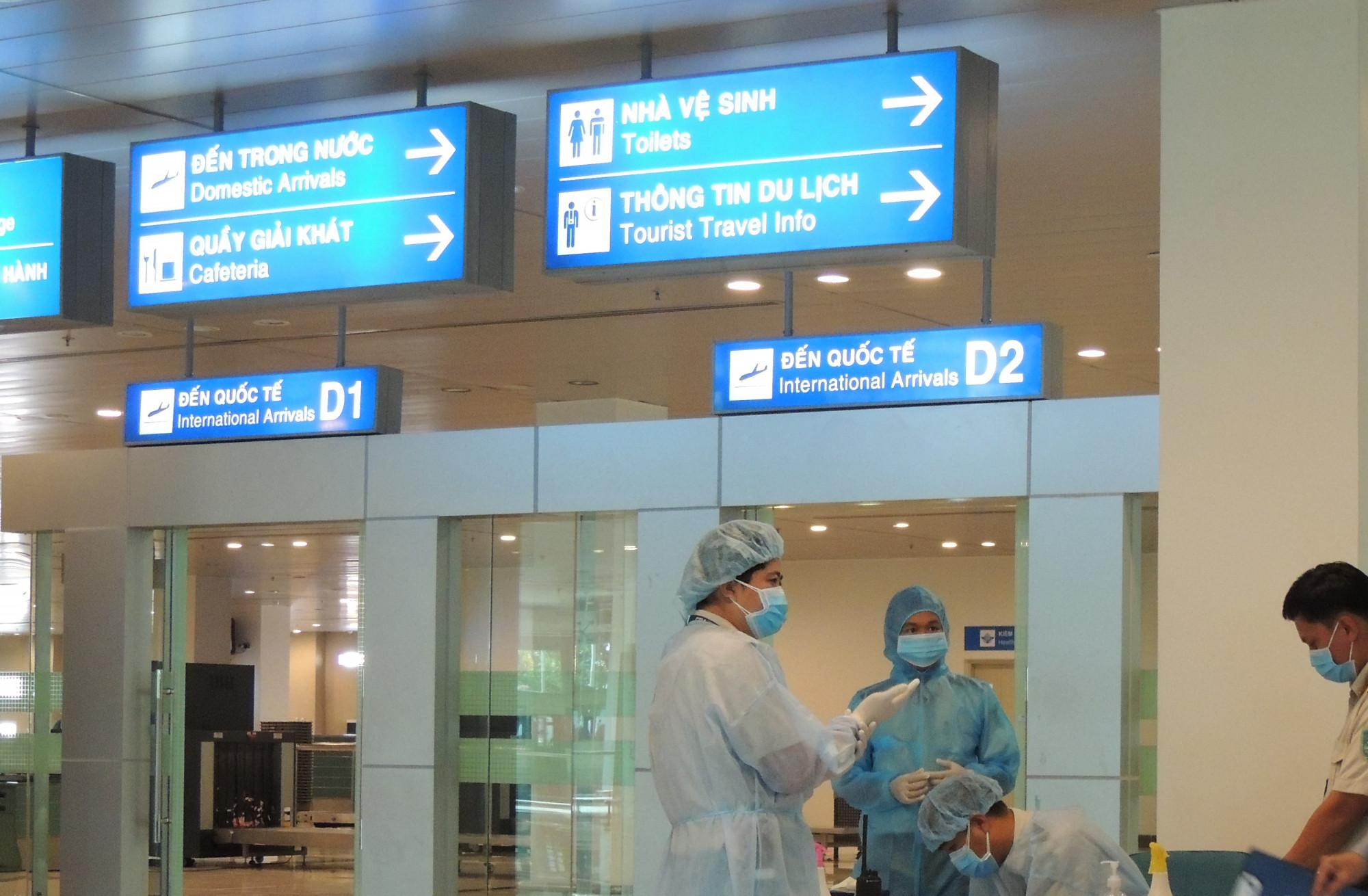 Hành khách phải thực hiện xét nghiệm có trả phí ngay tại sân bay...