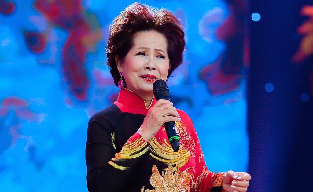 Ca sĩ Phương Dung bị bà Xuân Hoà bêu tên trên mạng xã hội với những thông tin bất lợi