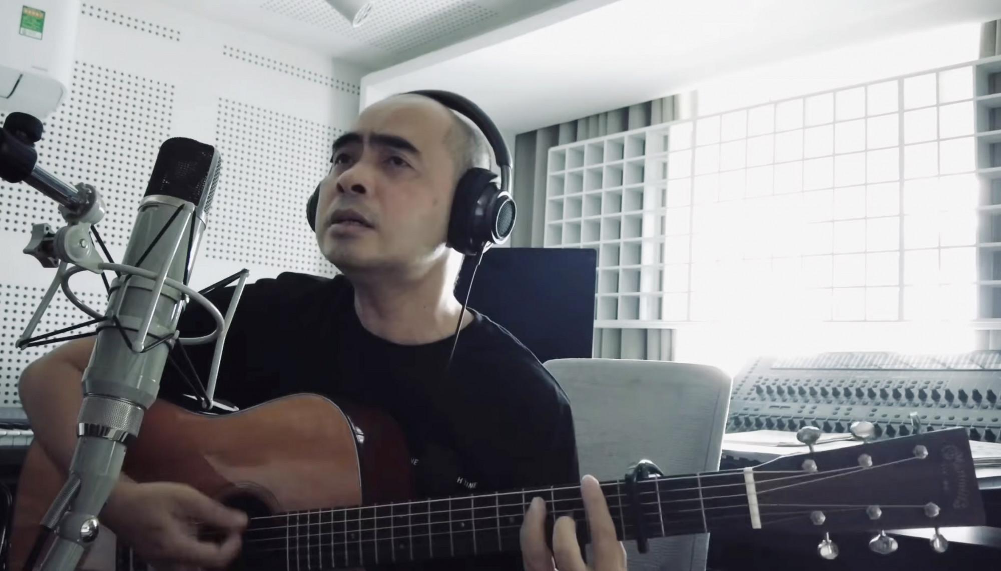Nhạc sĩ Đức Trí chia sẻ nhiều video thú vị về các ca khúc trong những ngày giãn cách