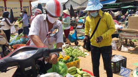 Tại TPHCM, nhiều chợ truyền thống đã dừng hoạt động