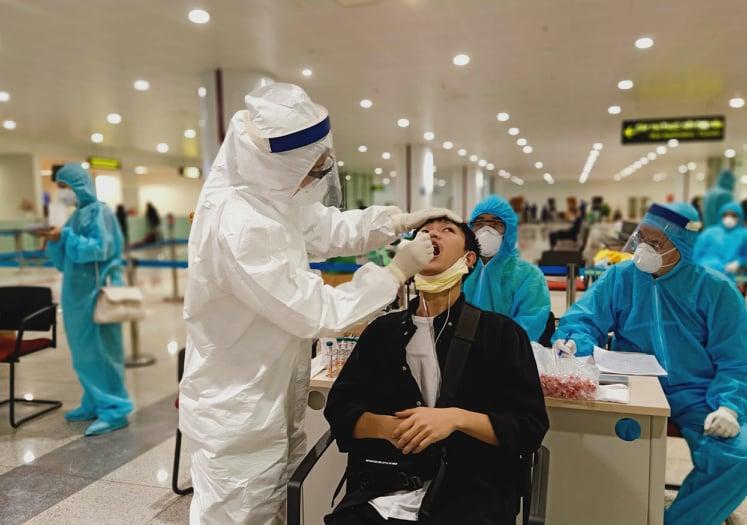 Hà Nội yêu cầu tiếp tục đẩy mạnh việc lấy mẫu ngẫu nhiên người về sân bay Nội Bài từ TPHCM vì nguy cơ lây nhiễm cao