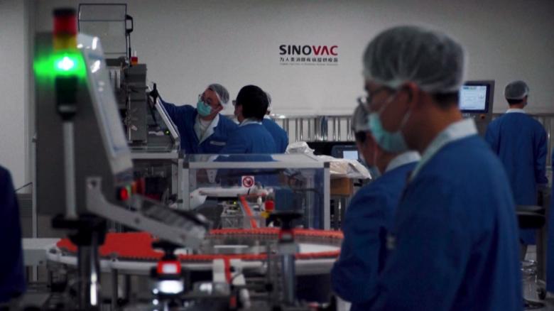Giới chức y tế Thái Lan quan ngại về tính hiệu quả của vắc xin Sinovac của Trung Quốc - Ảnh: CNN
