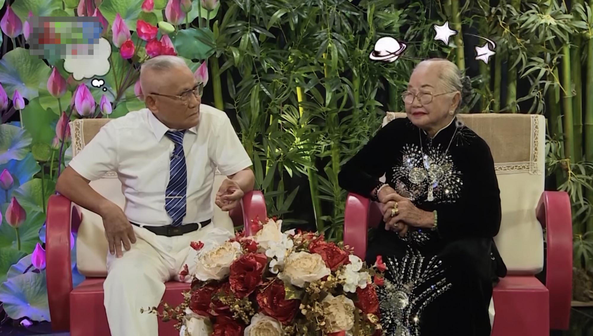 Cụ Huỳnh Văn Ráng và bà cụ Lê Thị Hổ trong chương trình Tình trăm năm