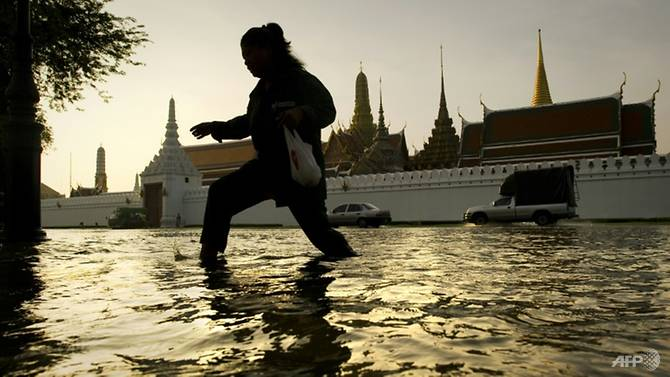 Một con phố ngập lụt ở Bangkok.