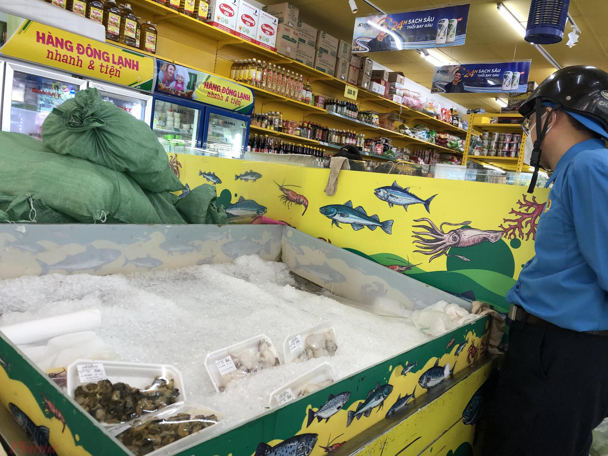 Riêng thuỷ  hải  sản  tại  Bách  Hoá  Xanh  thì  hết  sạch