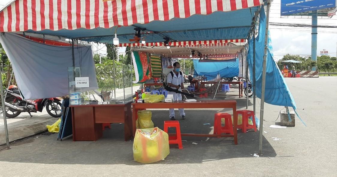 Chốt kiểm soát phòng chống dịch ngay cửa ngõ tỉnh Vĩnh Long