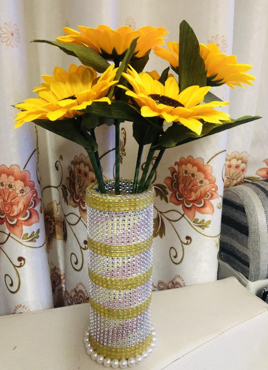 Bình hoa hướng dương từ giấy và hạt cườm