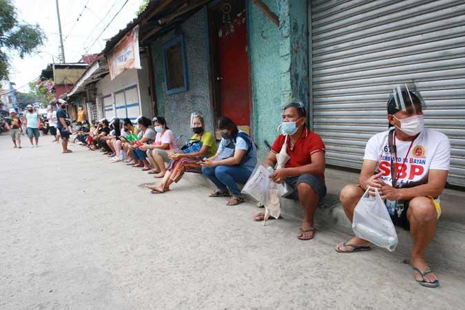 Khoảng 3,7 triệu người Philippines đã thất nghiệp trong tháng 5/2021, tương ứng tỷ lệ thất nghiệp là 7,7%, giảm nhẹ so với 8,7% vào một tháng trước đó