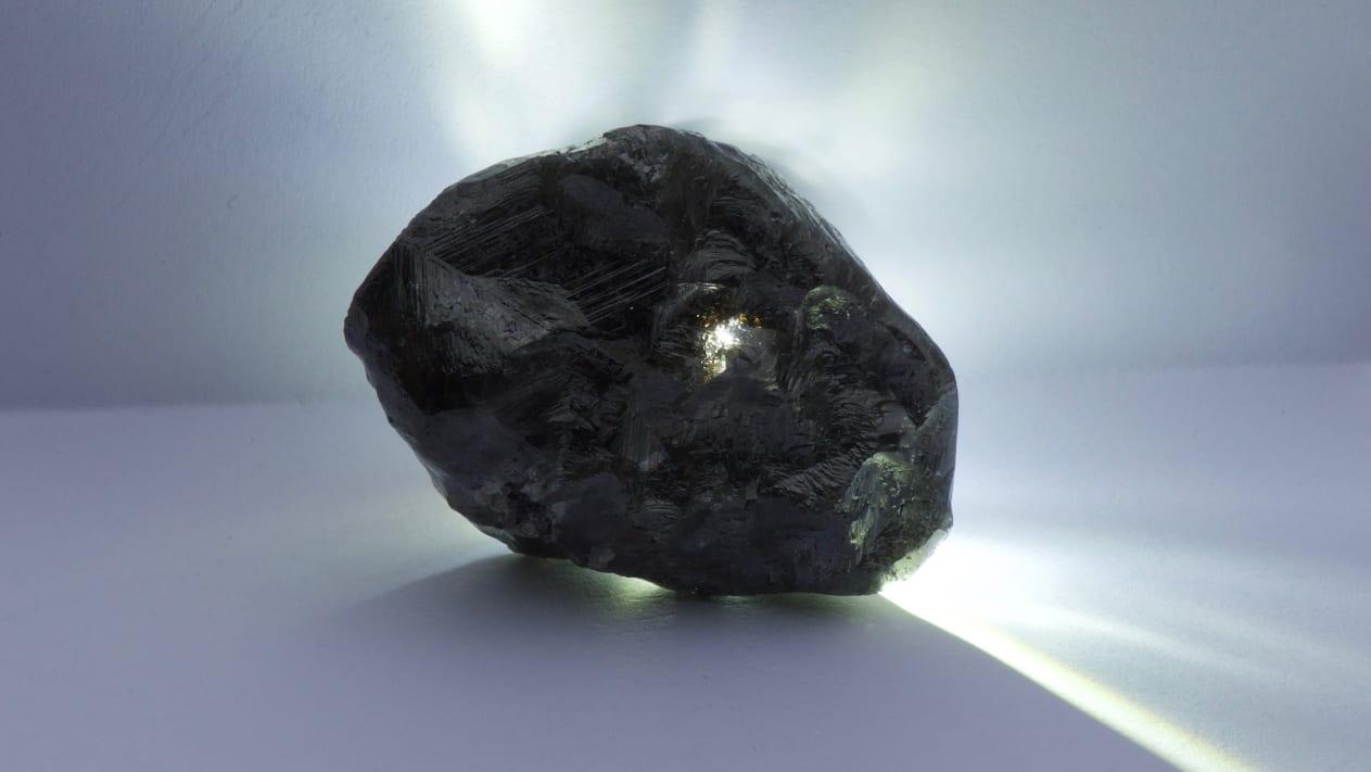 Viên kim cương lớn thứ 2 thế giới được tìm thấy năm 2019 - Ảnh: CNN