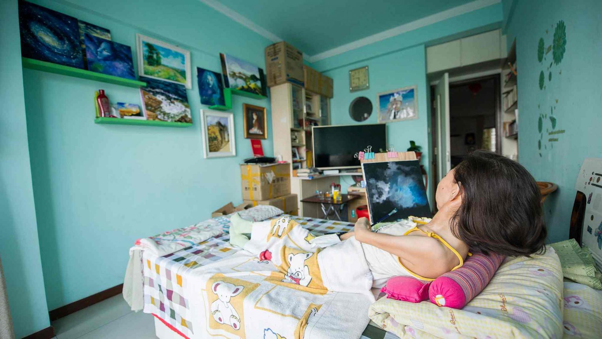 Cô Zhang phải từ bỏ ước mơ được đến trường để trở thành cô giáo vì căn bệnh quái ác của mình - Ảnh: