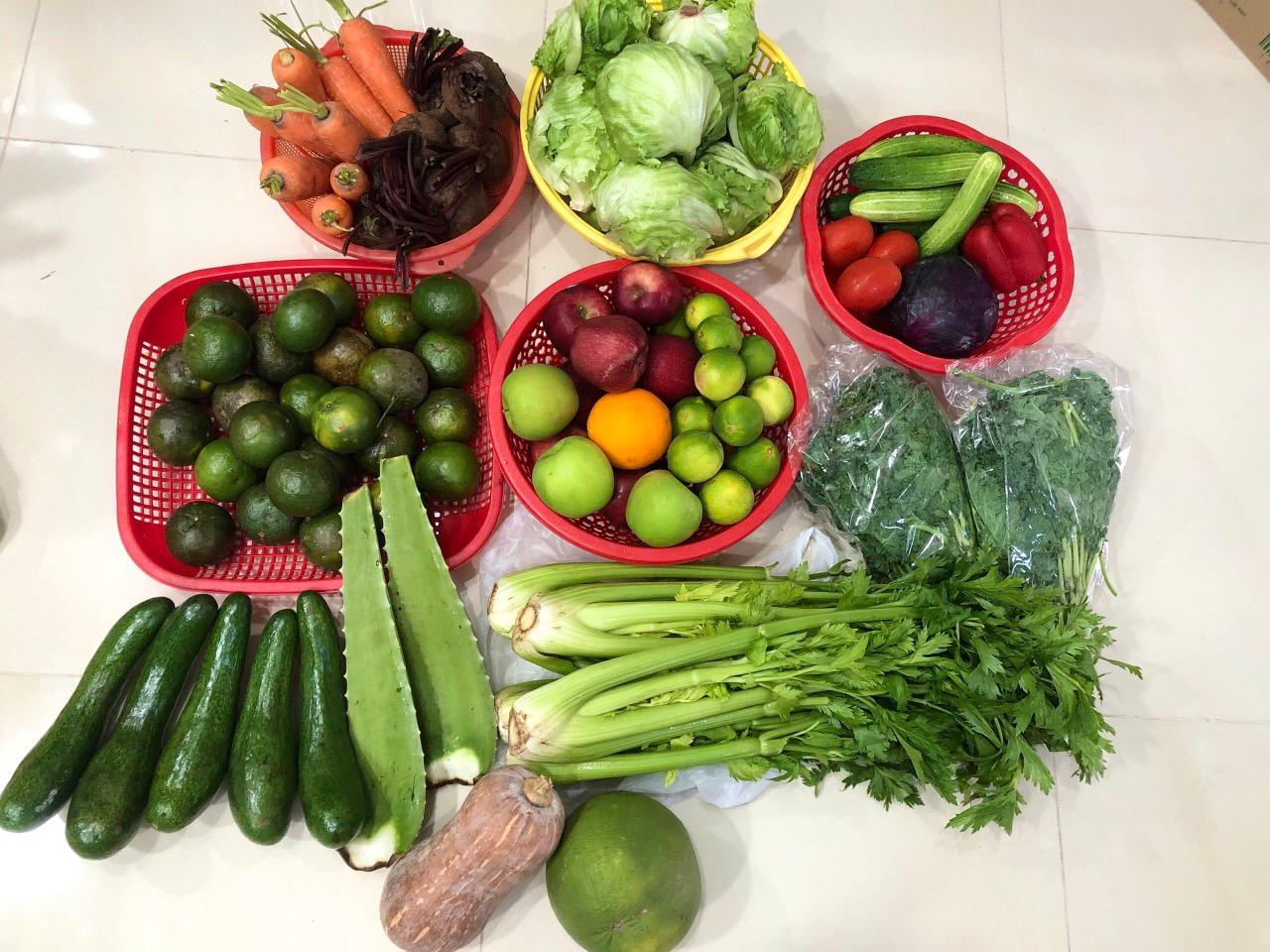 Đây là một số rau củ quả mà tôi mua được từ nhiều