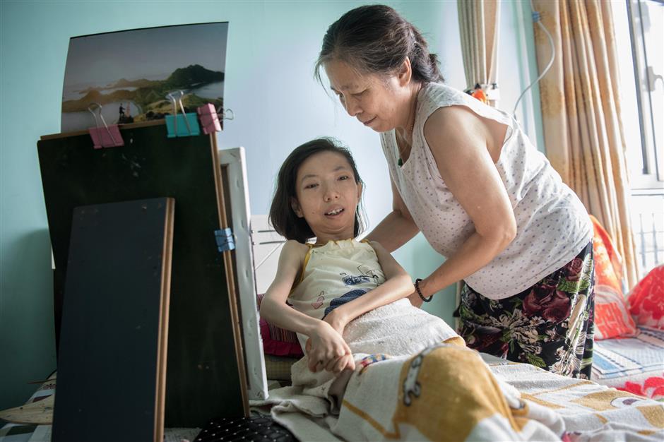 Cô Zhang được mẹ ủng hộ và động viên để theo đuổi đam mê hội họa của mình - Ảnh: