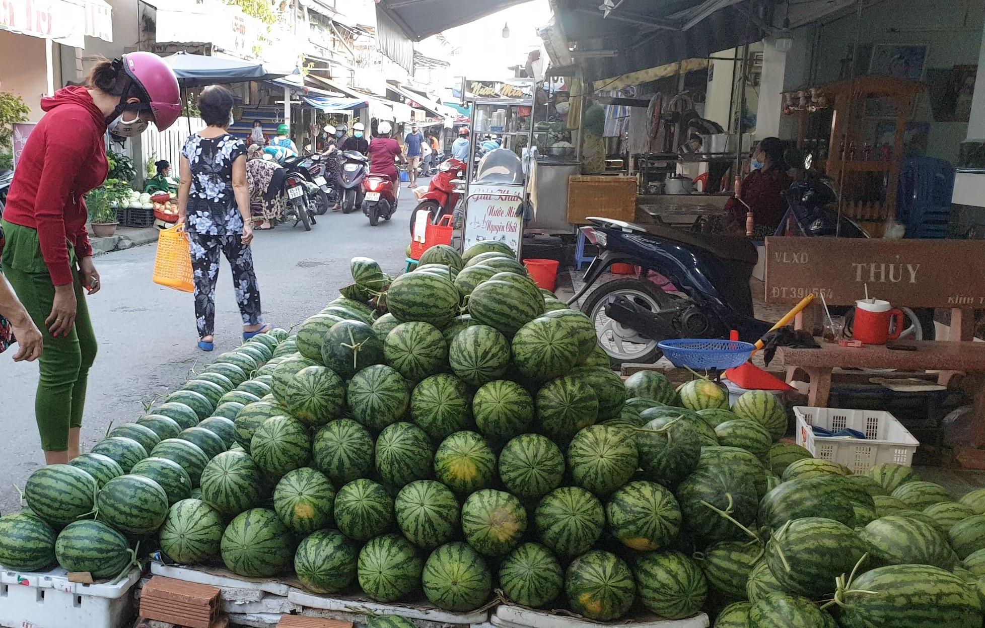 Lãnh đạo Đồng Tháp yêu cầu hỗ trợ tiêu thụ nông sản cho nông dân trong tình hình dịch bệnh