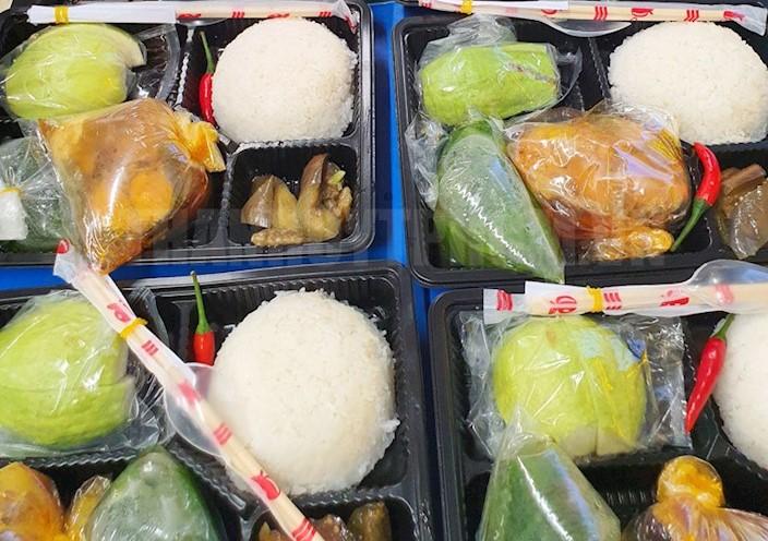 Suất ăn của Co.opmart Hiệp Thành dành cho người dân trong các khu cách ly. Nguồn: Thanhuytphcm.vn