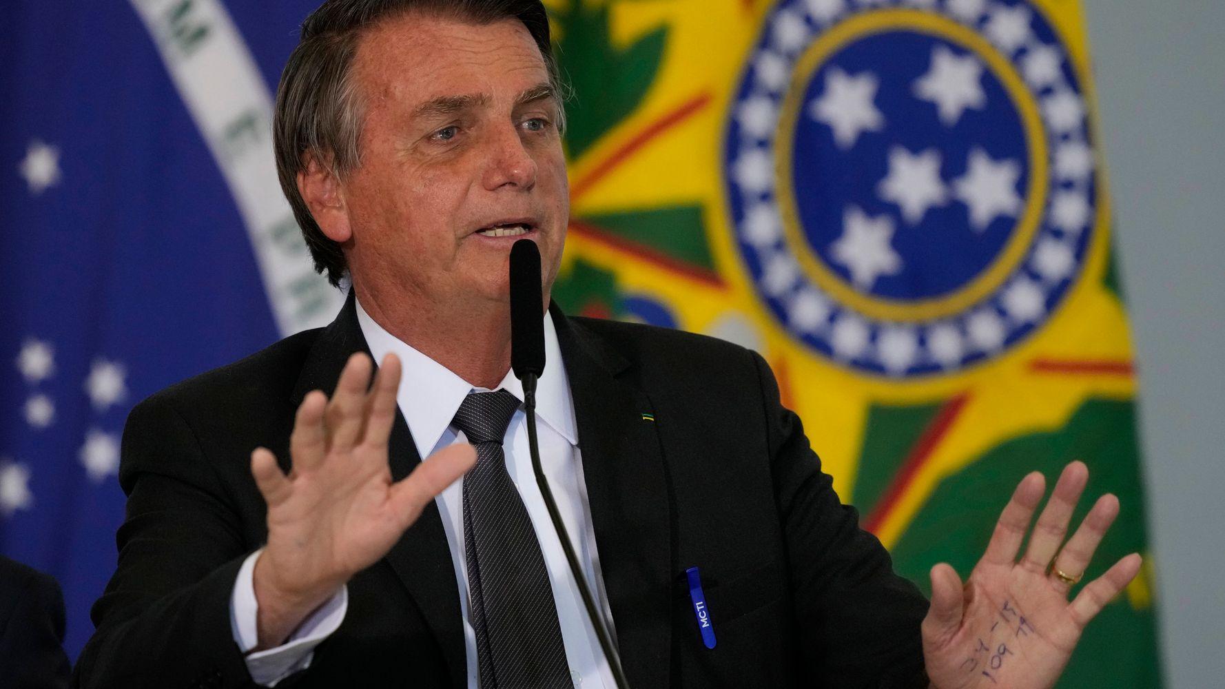Tổng thống Brazil Jair Bolsonaro khả năng cao sẽ tiến hành cuộc phẫu thuật khẩn cấp do tắc ruột.