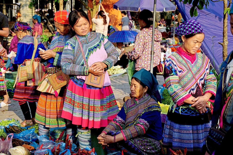 Chợ Bắc Hà chỉ mở vào ngày Chủ Nhật - Ảnh: dpa