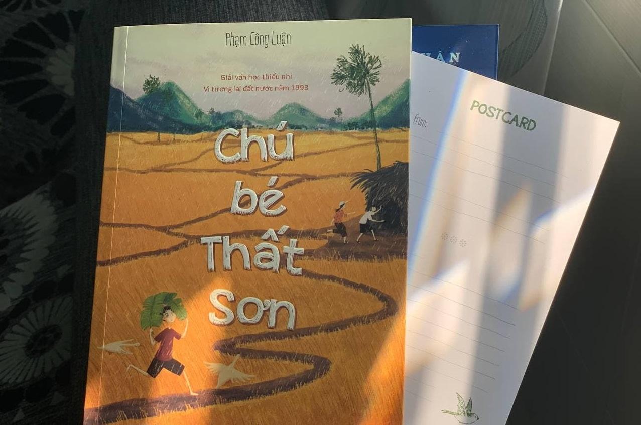Cuốn Chú bé Thất Sơn trong phiên bản mới.