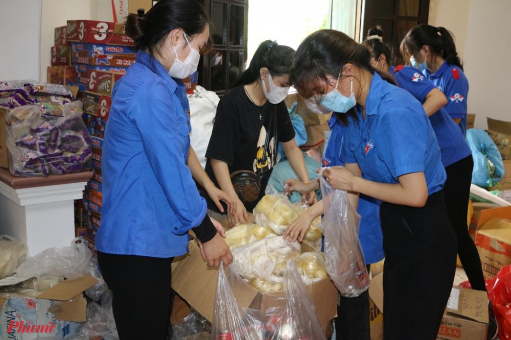 Toàn bộ các suất quà này sẽ được vận chuyển, ủng hộ người dân TP. Hồ Chí Minh thông qua cầu nối là Hội LHPN TP. Hồ Chí Minh vào ngày mai 16/7.