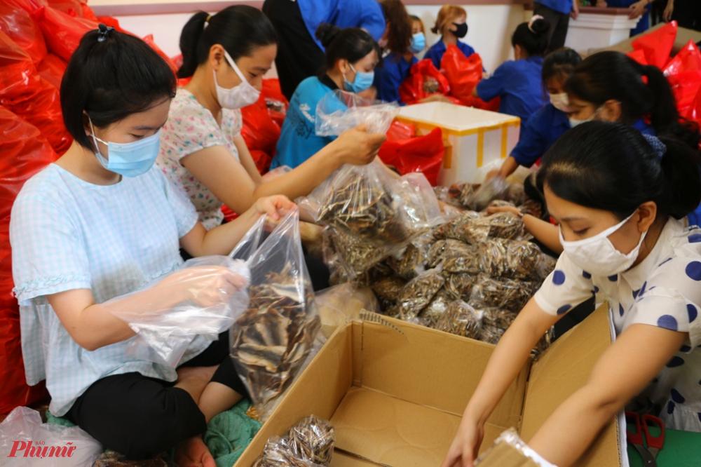 Theo thống kê từ Hội LHPN tỉnh Thừa Thiên – Huế sau hơn hai ngày phát động chương trình thiện nguyện đã quyên góp được hơn 10 tấn lương thực, thực phẩm thiết yếu