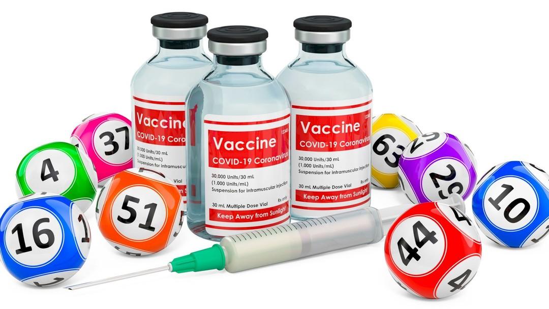 Các chương trình quay số trúng thưởng khi tiêm vắc xin COVID-19 nở rộ ở Mỹ - Ảnh: Washington Examiner