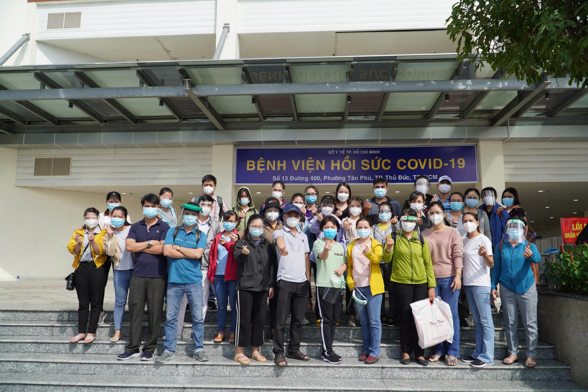 Lực lượng y bác sĩ tình nguyện hỗ trợ cho BV hồi sức COVID-19 (TPHCM)