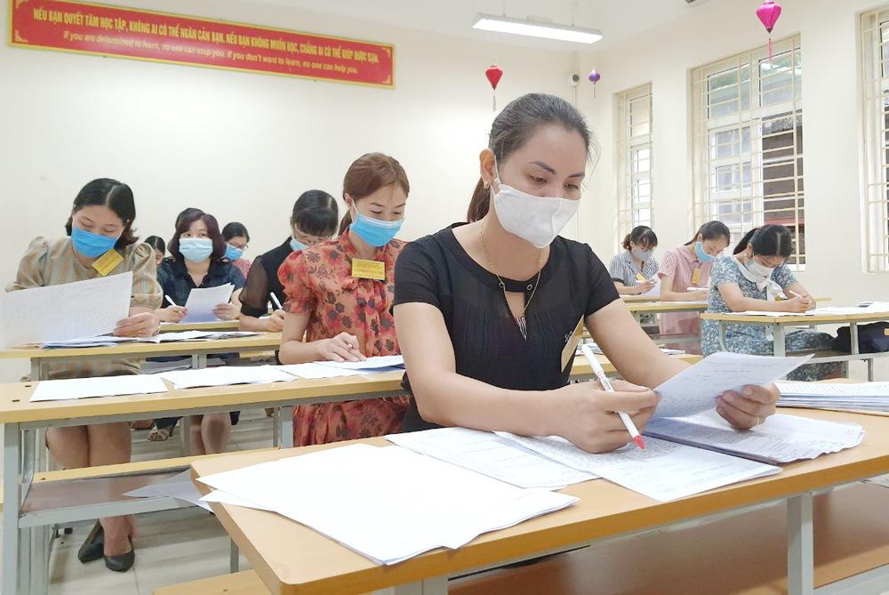 Giám thị chấm thi tốt nghiệp THPT 2021 (ảnh: GDTĐ)