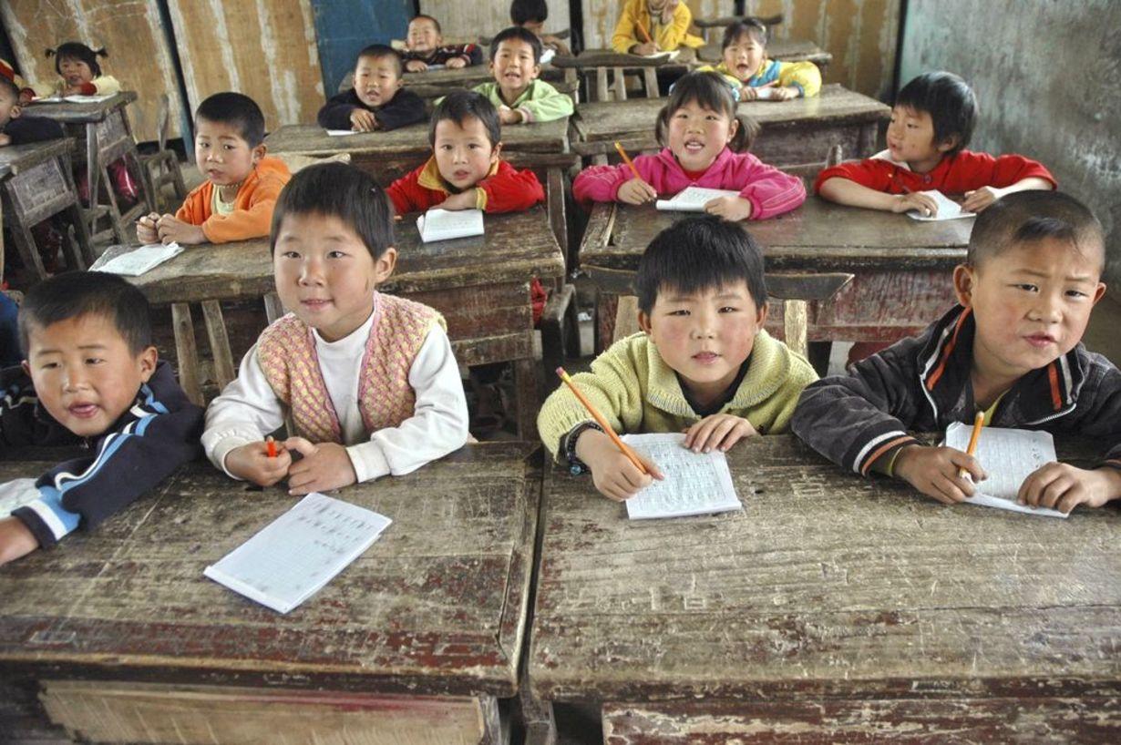 Nhiều chuyên gia giáo dục cho rằng, kết quả cao của Trung Quốc ở các kỳ đánh giá PISA không phản ánh một cách đầy đủ bức tranh giáo dục của quốc gia này . Trong ảnh là lớp học ở một tỉnh nghèo của Trung Quốc - Ảnh: China Daily/Reuters