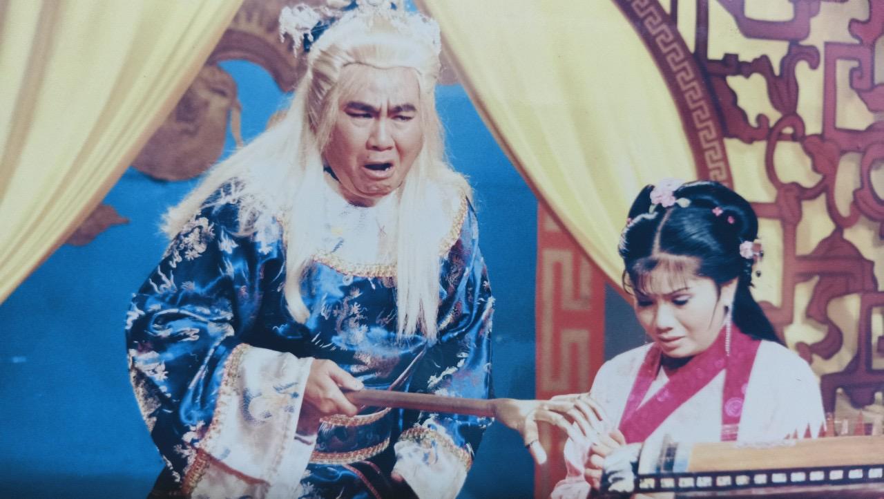 Nghệ sĩ Công Minh vai Thái giám (vở Tô Hiến Thành xử án)